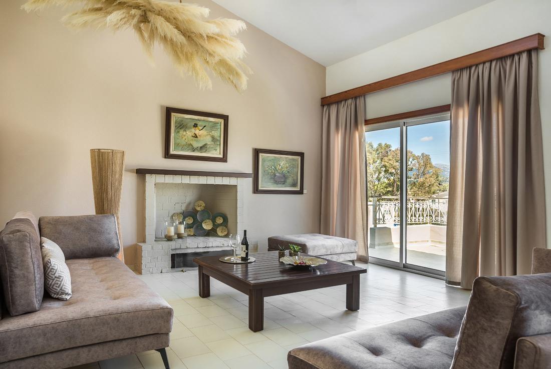 Malibu Residence & Studios -   SUPERIOR VILLA
